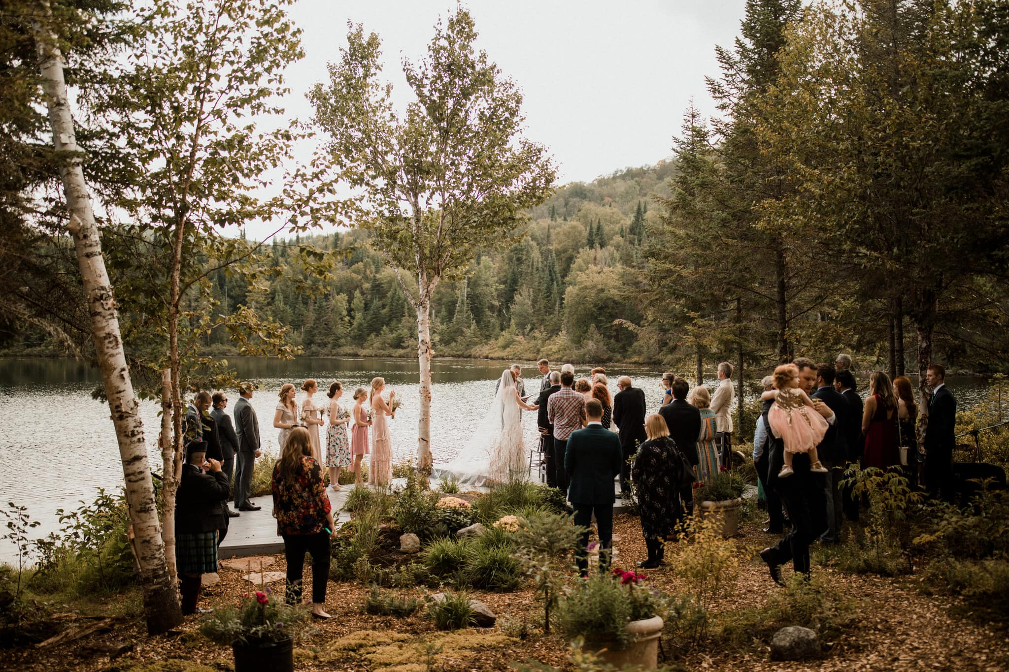 Intimate Wedding in Ivry-sur-le-Lac - Wedding on the lake - Wedding Photographer Brent Calis